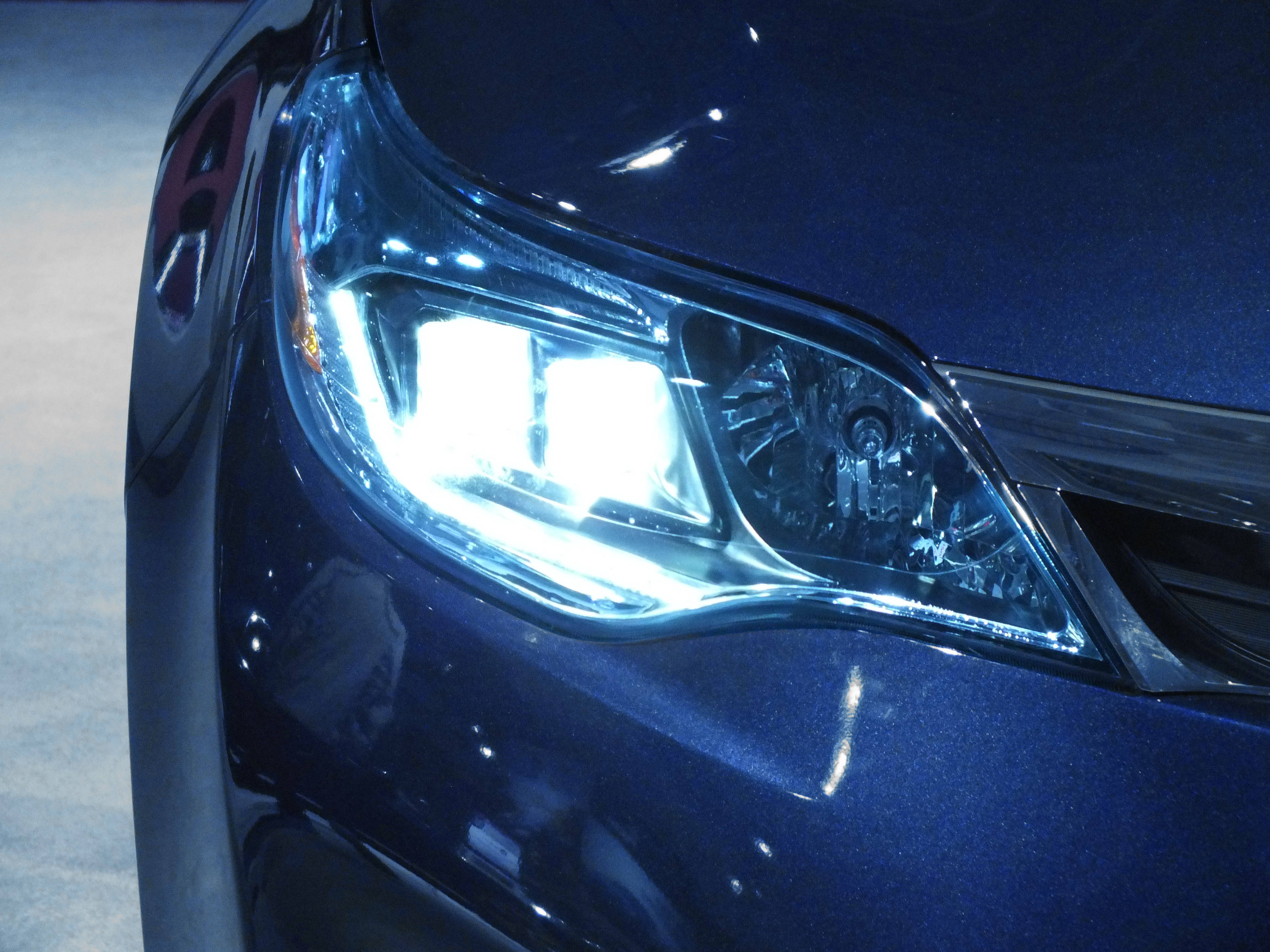 how xenon headlights will add a luxury feel to any vehicle audiomotive